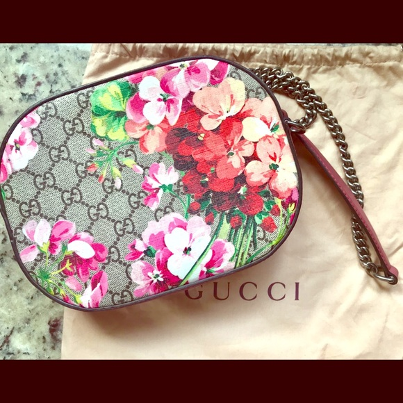 8d5a756baf2c Gucci Bags | Blooms Gg Supreme Mini Chain Bag | Poshmark